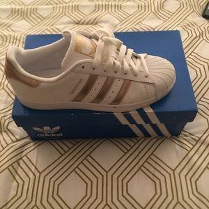 Barley worn Adidas Superstar Originals worn once